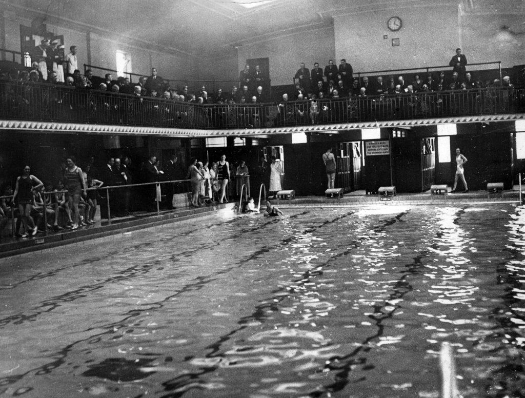 Rock Ferry Baths, Wirral. March 1933.
